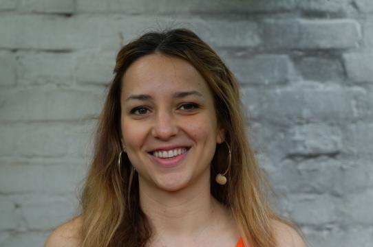 Portrait of Oana Tenter