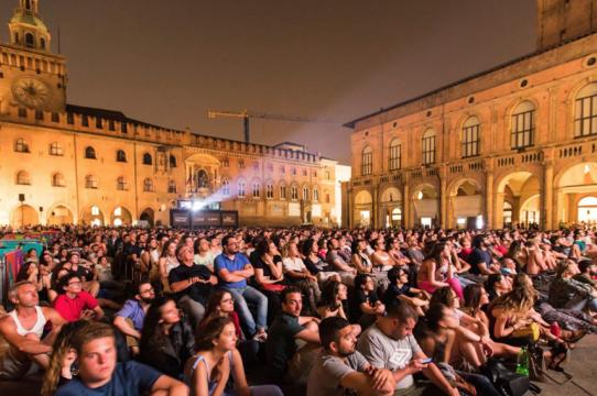 crowd at Il Cinema Ritrovato film festival
